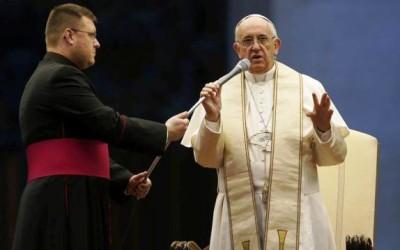 «A misericórdia não pode jamais deixar-nos tranquilos» Papa Francisco