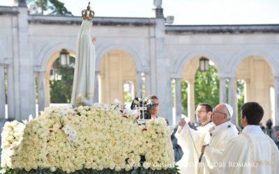 Peregrinação a Fátima: Papa proclamou santos Francisco e Jacinta Marto