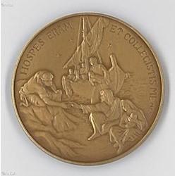 Os migrantes na medalha oficial do quinto ano de pontificado de Francisco