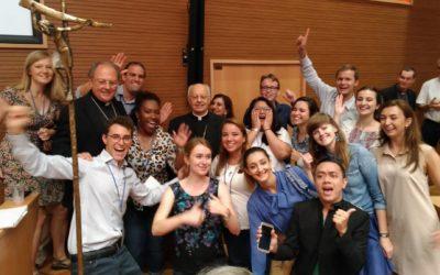«Somos uma família, vamos ouvir e crescer juntos» – Jovens no seminário internacional em Roma