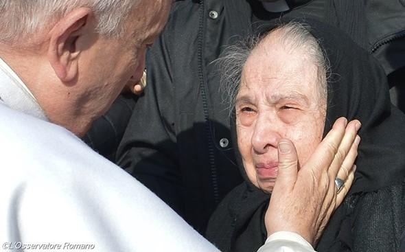 Papa convida a rezar «pelos idosos» e avós em dezembro