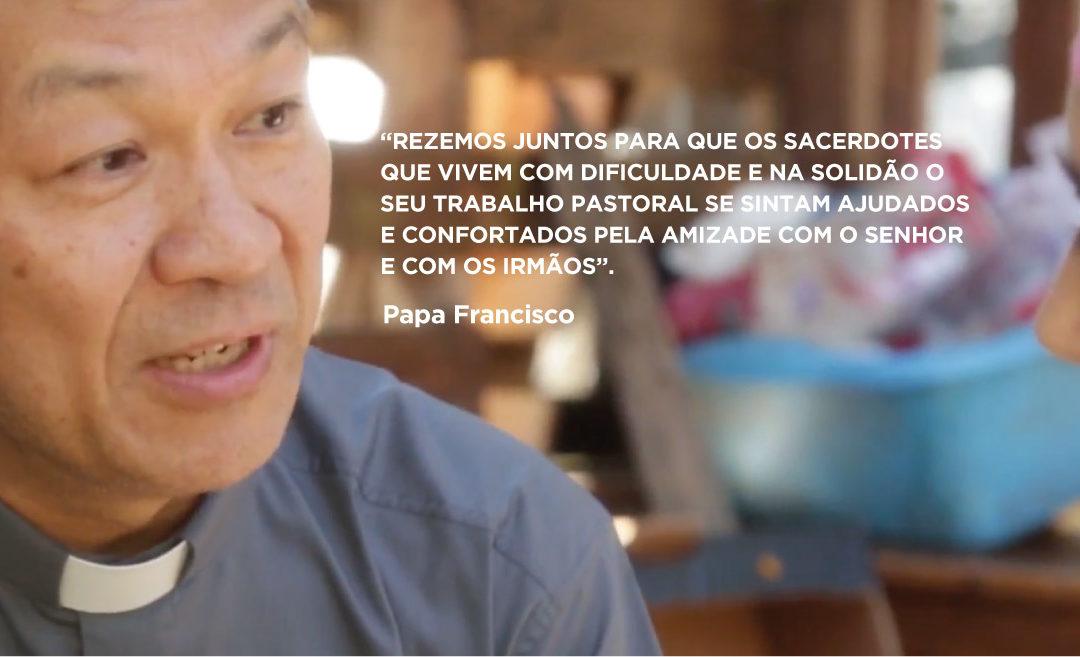 Papa convida a rezar pelos padres