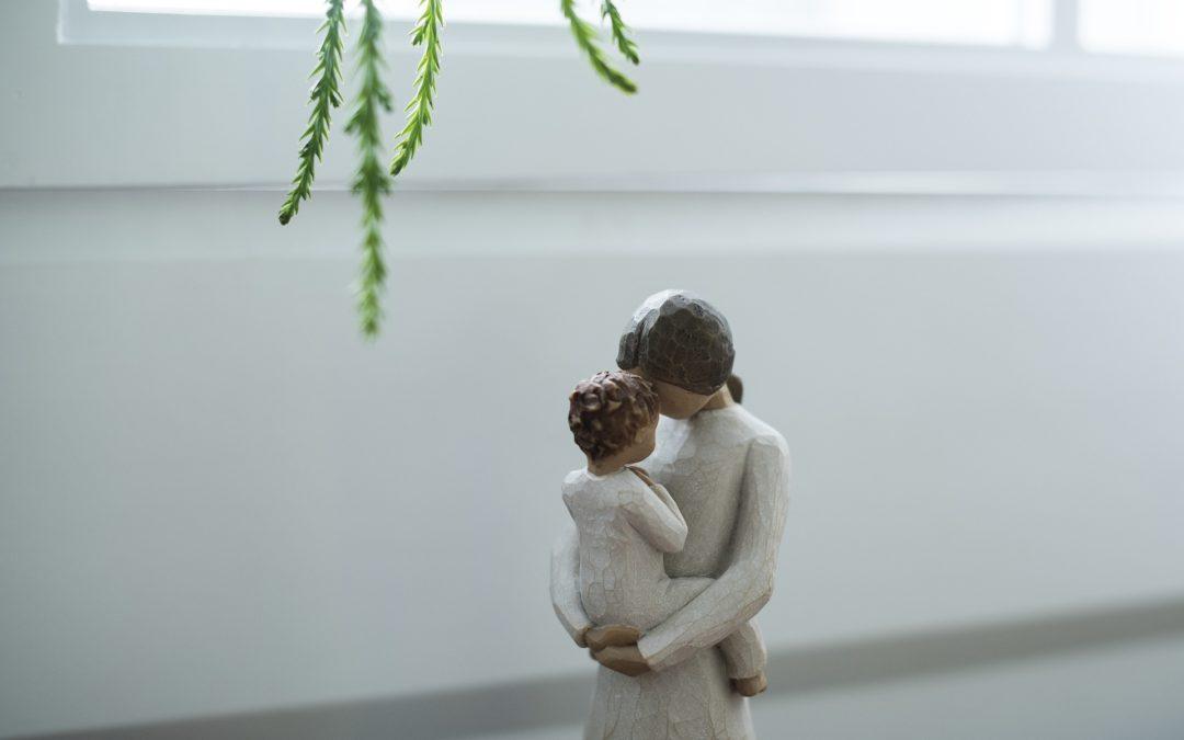 «Olhar e reconhecer a grandeza do amor da mãe» – Dia Mundial da Mãe 2019