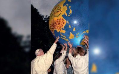 «São João Paulo II – 100 Anos. Palavras e imagens»