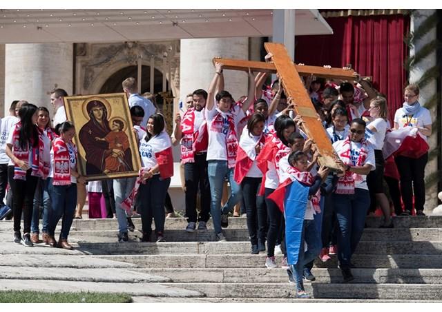 Símbolos das Jornadas Mundiais podem ajudar a encontrar «respostas» diante da pandemia, diz padre Filipe Diniz