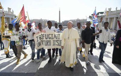 «Migrantes e refugiados: homens e mulheres em busca de paz» – Papa Francisco (1 jan 2018)