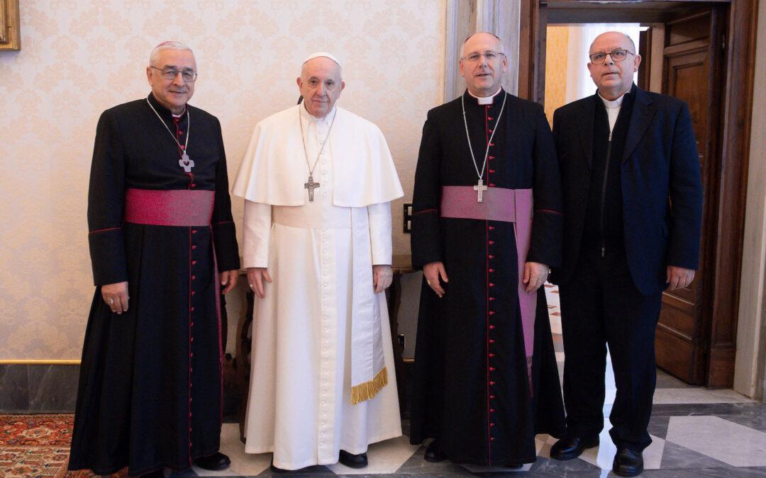 Papa Francisco mantém «esperança de poder estar em Portugal em 2023»
